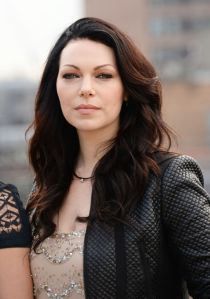 laura-prepon-orange-is-the-new-black-photocall-in-london_2